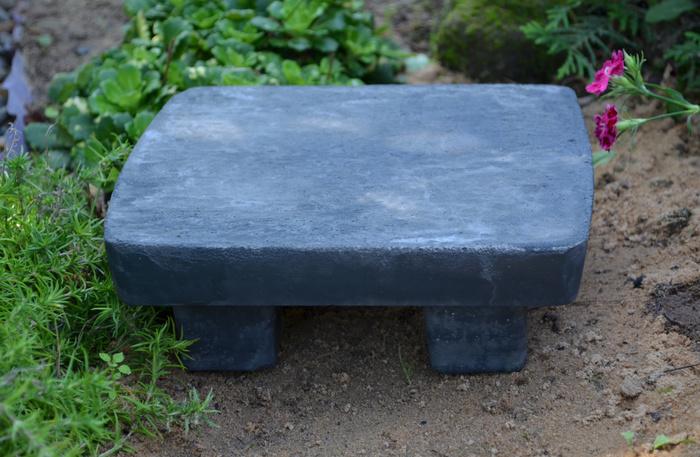 Подставка для кашпо из бетона