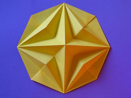 """3D панель """"Algol"""" - гипсовая панель для стен из высокопрочного архитектурного гипса. Идеально подойдет для оформления интерьера в стиле """"минимализм"""". За основу изображения взято популярное оригами """"Четырехконечная звезда в восьмиугольнике""""."""