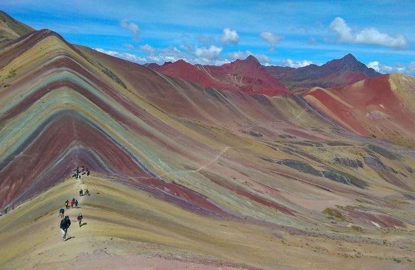 Аусангате, или Радужная гора находится в сотне километров от перуанского города Куско.