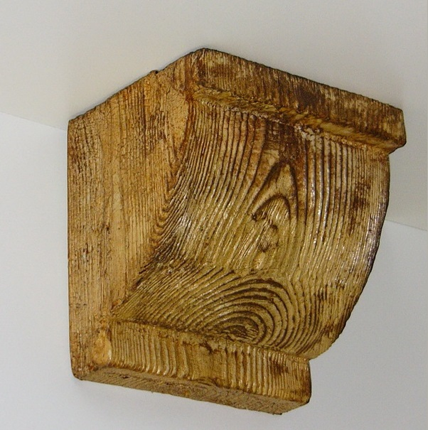 Консоль потолочная для оформления потолочных балок из полиуретана, цвет светлый дуб, купить от производителя по низкой цене.