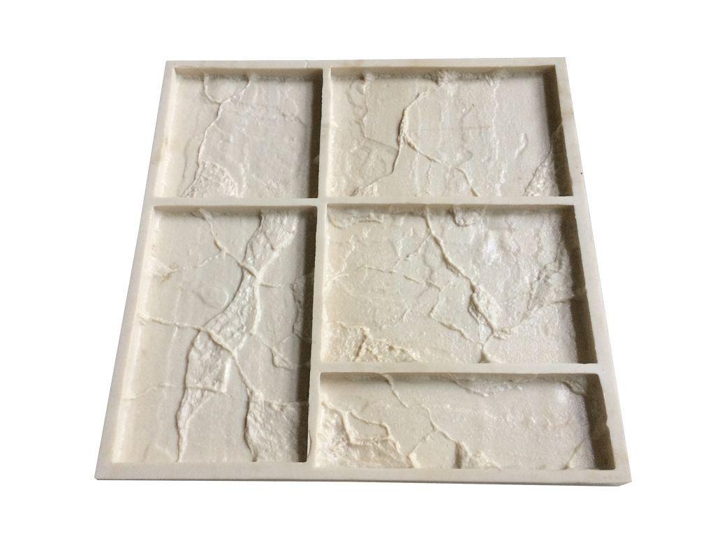 """Форма из полиуретана для изготовления камня """"Старый замок"""" используется для работ с бетоном, гипсом, смолами и полимерами. Формы мягкие и эластичные, выдерживают 1500-2000 циклов заливки бетоном."""